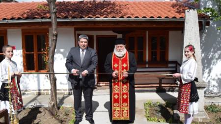 Кметът Добромир Добрев откри обновената сграда на килийното училище в Горна Оряховица