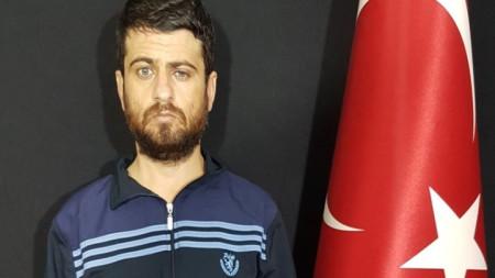 Заподозреният Юсуф Назик във видеоклип, разпространен от Анадолската агенция.