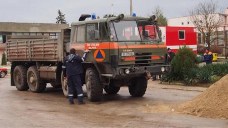 От община Дългопол казват, че за пътя между селата отговаря АПИ.