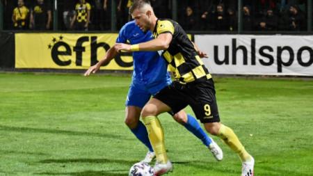 Атанас Илиев вкара 2 гола на Левски