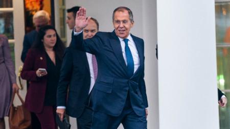 Сергей Лавров напуска Белия дом след срещата си с Доналд Тръмп.