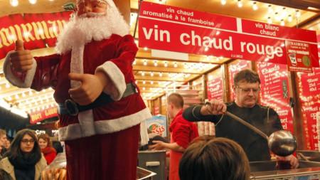 Греяното вино по традиция се пийва през зимата, най-вече около Коледа и Нова година.