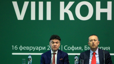 Атанас Фурнаджиев (вдясно) почти сигурно ще оглави БФС в петък.
