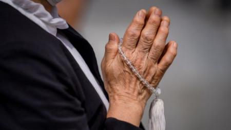 Молитва в Мемориалния парк в Хирошима, 6 август 2020