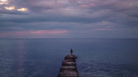Към хоризонта