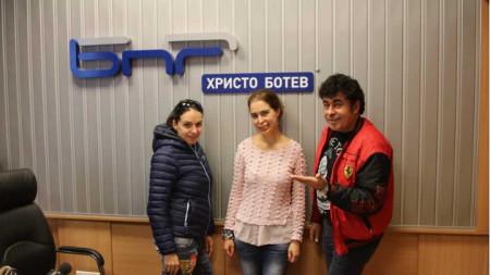 Десислава Димитрова (вляво), Калина Колева и Борислав Борисов