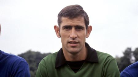 Питър Бонети с екипа на Челси през 70-те години на ХХ век.