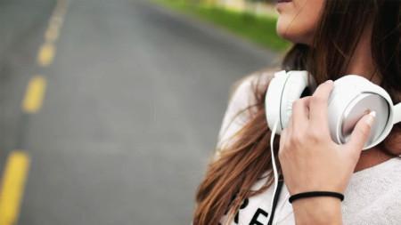 Този тип слушалки са за предпочитане, съветва специалистът