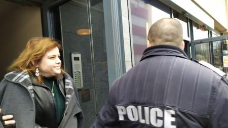 Директорката на Басейнова дирекция -Пловдив Цветелина Кънева бе отведена с полицейски бус.