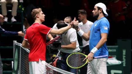 Шаповалов (вляво) и Беретини получиха шанс да се включат във финалите в