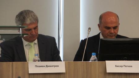 Президент Конфедерации независимых профсоюзов в Болгарии Пламен Димитров и министр труда и социальной политики Бисер Петков