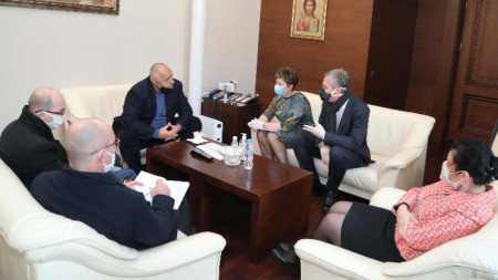 Среща на премиера Бойко Борисов и министър Десислава Танева с представители на търговските вериги.