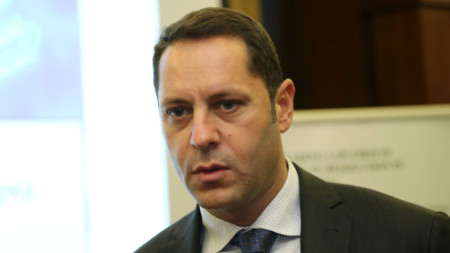 Бившият заместник-министър на икономиката Александър Манолев отива на съд.