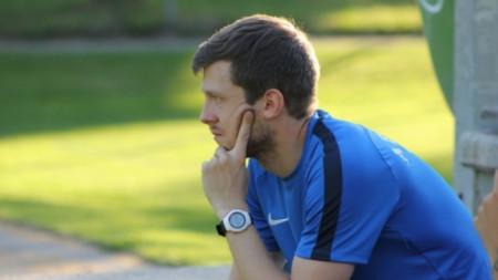 Дени Алар засега гледа отстрани мачовете на Левски.