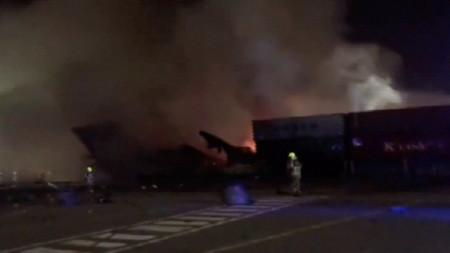 Пожарът на кораба на пристанище
