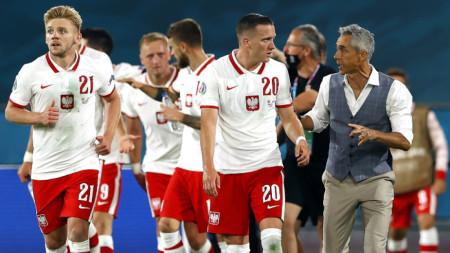 Пауло Соуса остава начело на Полша въпреки фиаското на Евро 2020.