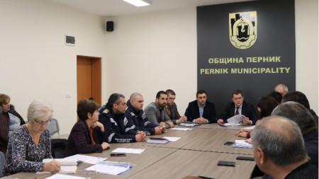 На заседание на Общинския кризисен щаб е взето решение да се поиска официално от областния управител удължаване на бедственото положение