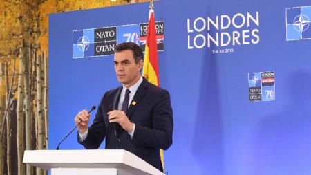 Испанският премиер Педро Санчес в Лондон.