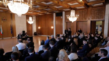 Председателката на народното събрание Цвета Караянчева се срещна с българската общност в Москва