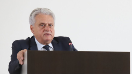Interior Minister Boyko Rashkov at today's briefing