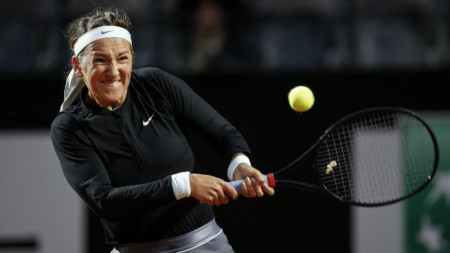 Виктория Азаренка детронира шампионката в Рим.