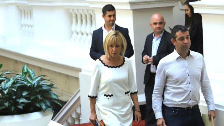 Maya Manólova, de ¡Yérguete.Bg! ¡Ya venimos!, antes de la reunión con el BSP.