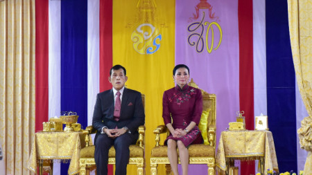 Тайландският крал Маха Ваджиралонгкорн и кралица Сутида.