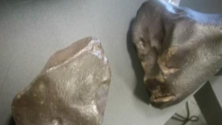Метеорити, показани от Георги Пенев пред