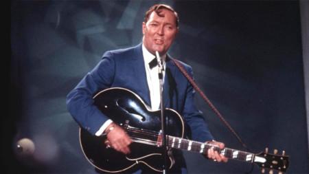 """Знаковата песен """"Rock Around the Clock"""" е изпята от Бил Хейли през 1956 година"""