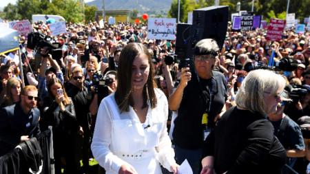 Хиляди протестират срещу сексуалното насилие и тормоза над жени в Австралия