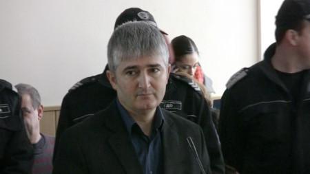 Тодор Караиванов на едно от делата срещу него.