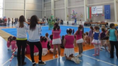 Детски коледен фестивал