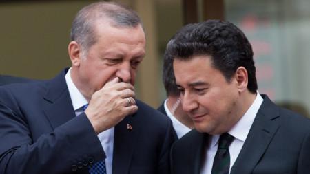 Ердоган с Али Бабаджан през 2015 г.