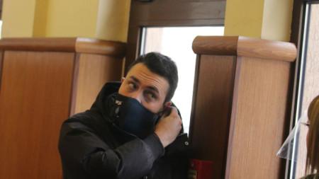 Евгени Крусев преди заседание по делото срещу него в спецсъда на 19 януари 2021 г.