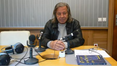 """Поетът Александър Петров в студиото на програма """"Христо Ботев"""""""