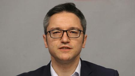 Секретарят на парламентарната група на партията Кристиян Вигенин .