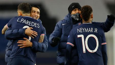 Играчите на ПСЖ ликуват, след като отстраниха Байерн (Мюнхен) и се класираха за полуфиналите от турнира по футбол Шампионска лига
