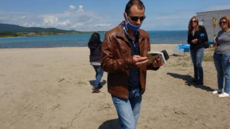 Екип на Регионалната екоинспекция в Бургас провери какво е състоянието на пясъчните дюни в Ахтопол. 26 май, 2020 г.
