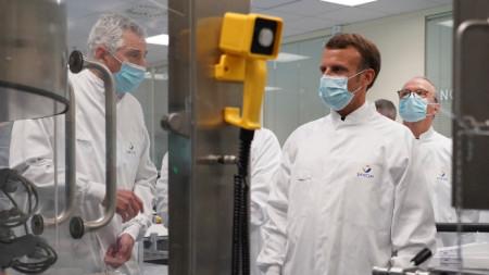 Еманюел Макрон посети в Лион фармацевтичния гигант