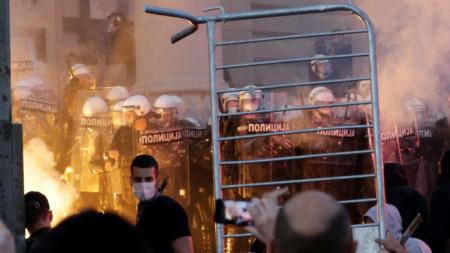 Втори ден на протести в Белград срещу новите ограничителни мерки заради коронавируса