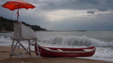 Буреносни облаци и над българския туризъм вследствие на пандемията: лято 2020 е пълно с неизвестни.