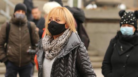 Мая Манолова участва в протест - 21 декември 2020 г.