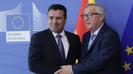 Премиера на Северна Македония Зоран Заев и шефа на ЕК Жан-Клод Юнкер