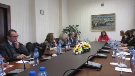 Заседание на Съвета за работа с българите в чужбина към вицепрезидента Илияна Йотова