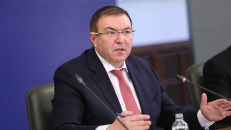 Министър проф. Костадин Ангелов