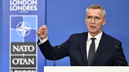 Йенс Столтенберг на среща на НАТО в Лондон