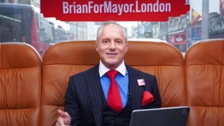 Като притежател на You Tube канал - London Real, Брайън води доста нестандартна онлайн кампания.