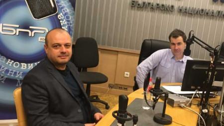 Депутатът от БСП Христо Проданов и водещият на предаването