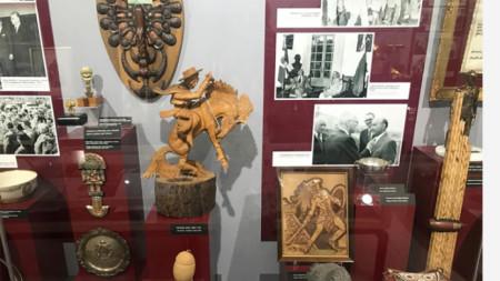 Подаръци в Музея на Тодор Живков в Правец