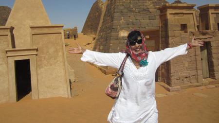Журналистката от БТА не се бои от проклятието на пирамидите.